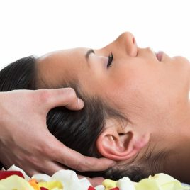 Masaje cuello, cara y cabeza con Aromaterapia
